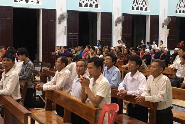 Chưa đầy 1 tuần, Hà Tĩnh xử phạt 2 linh mục vi phạm phòng chống dịch COVID-19 - Ảnh 1.