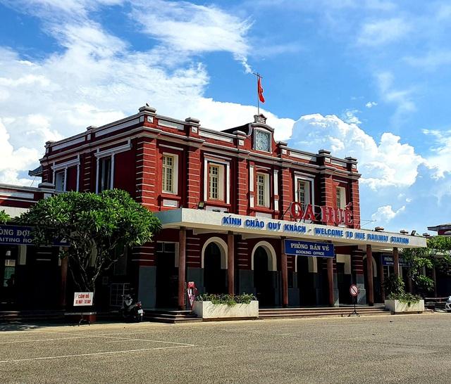 Thừa Thiên Huế hỗ trợ toàn bộ kinh phí xét nghiệm và cách ly tập trung đối với công dân trở về từ TP HCM  - Ảnh 1.