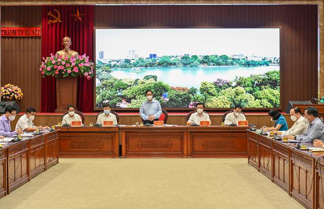 Thủ tướng: Hà Nội phải đặc biệt coi trọng, phát triển văn hóa tương xứng và hài hòa với sự phát triển về kinh tế - xã hội - Ảnh 1.
