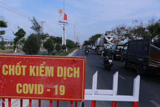 Quảng Bình phát hiện 3 ca mắc Covid-19 trong cộng đồng; Hướng dẫn người ra/vào Quảng Nam trong tình hình dịch phức tạp - Ảnh 1.