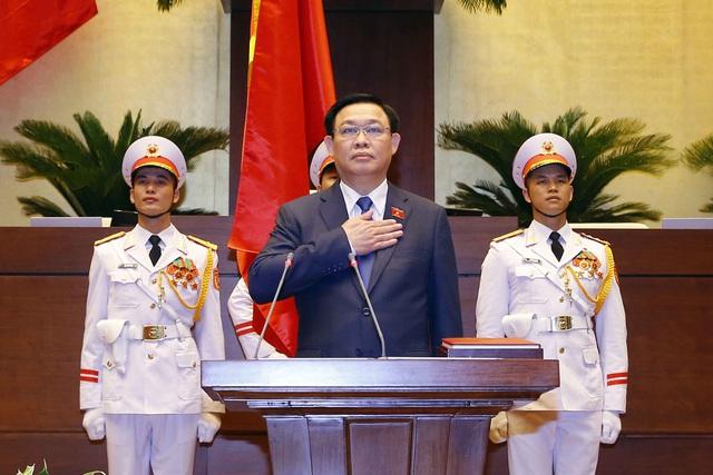 100% đại biểu Quốc hội có mặt tán thành cho thấy sự tín nhiệm cao của Chủ tịch Quốc hội Vương Đình Huệ - Ảnh 1.
