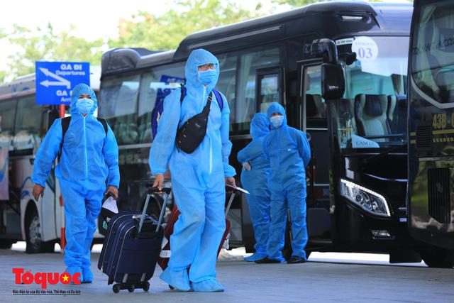 Đà Nẵng, Quảng Nam đón người dân từ TPHCM về quê - Ảnh 9.