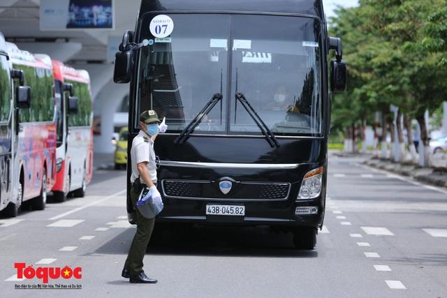 Đà Nẵng, Quảng Nam đón người dân từ TPHCM về quê - Ảnh 16.