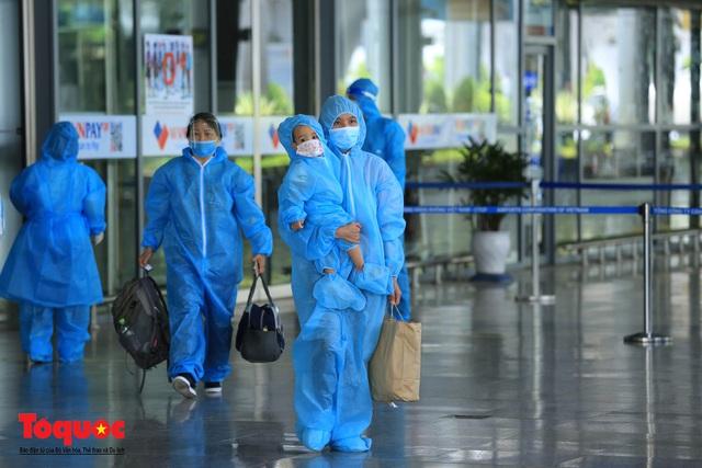 Đà Nẵng, Quảng Nam đón người dân từ TPHCM về quê - Ảnh 5.