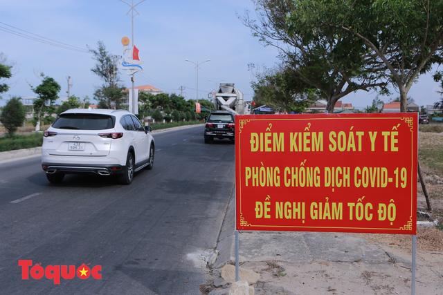 Quảng Bình thêm 2 ca dương tính SARS-CoV-2, Quảng Nam siết chặt chốt kiểm soát, không để người Đà Nẵng vào - Ảnh 2.