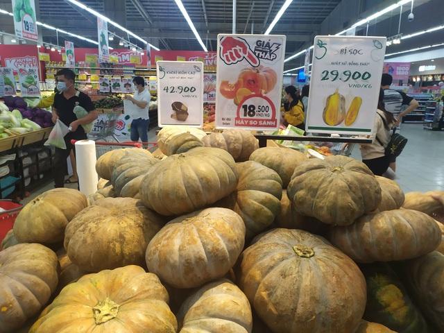 Đoàn công tác của Tổng cục QLTT giám sát nắm bắt tình hình tại các siêu thị, chợ truyền thống trên địa bàn TP. Hồ Chí Minh và các tỉnh phía Nam - Ảnh 11.