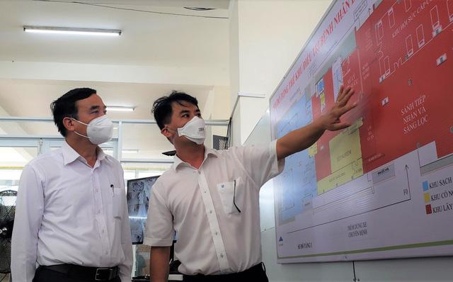 Ảnh: Bệnh viện dã chiến số 1 quy mô 1.700 giường điều trị bệnh nhân COVID-19 ở Đà Nẵng hoạt động - Ảnh 14.