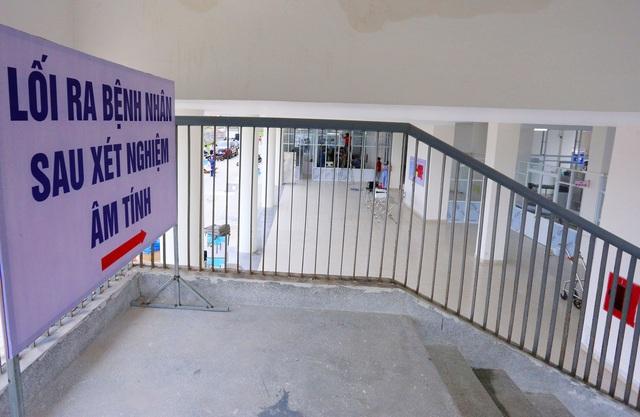 Ảnh: Bệnh viện dã chiến số 1 quy mô 1.700 giường điều trị bệnh nhân COVID-19 ở Đà Nẵng hoạt động - Ảnh 12.