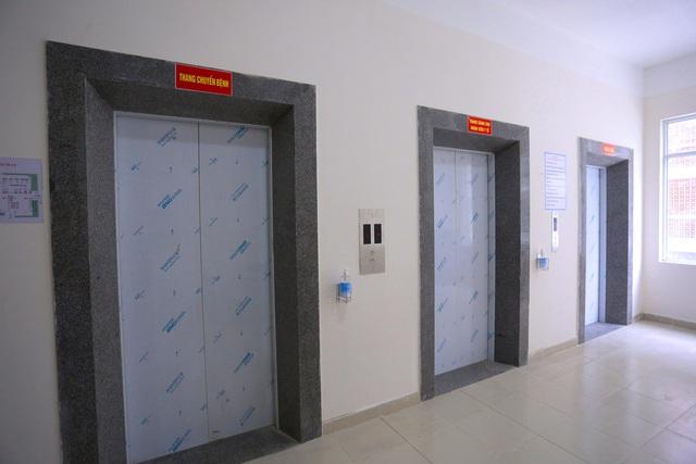 Ảnh: Bệnh viện dã chiến số 1 quy mô 1.700 giường điều trị bệnh nhân COVID-19 ở Đà Nẵng hoạt động - Ảnh 13.