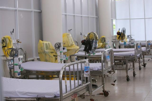 Ảnh: Bệnh viện dã chiến số 1 quy mô 1.700 giường điều trị bệnh nhân COVID-19 ở Đà Nẵng hoạt động - Ảnh 3.