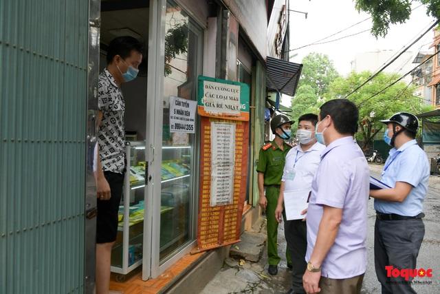 Hà Nội: Người dân thủ đô bị lập biên bản, nhắc nhở khi đi tập thể dục - Ảnh 3.
