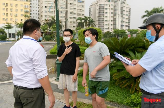 Hà Nội: Người dân thủ đô bị lập biên bản, nhắc nhở khi đi tập thể dục - Ảnh 12.