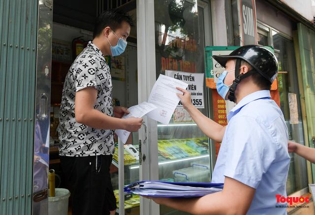 Hà Nội: Người dân thủ đô bị lập biên bản, nhắc nhở khi đi tập thể dục - Ảnh 4.