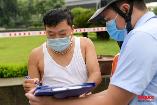 Hà Nội: Người dân thủ đô bị lập biên bản, nhắc nhở khi đi tập thể dục - Ảnh 10.