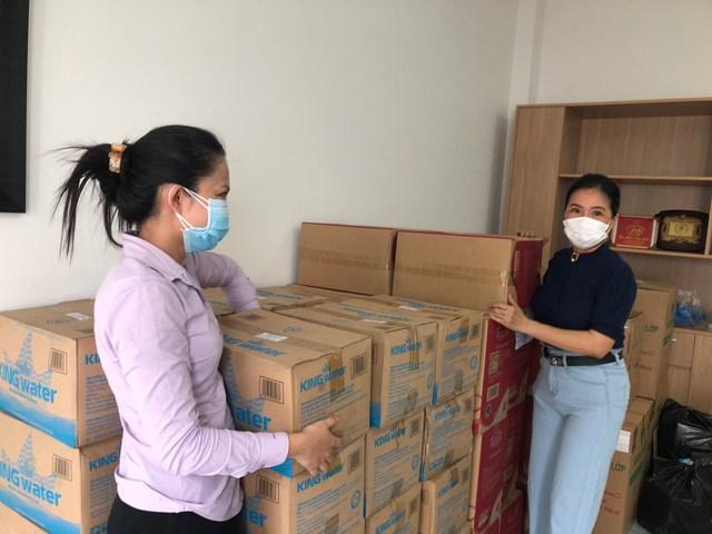 TNI King Coffee tiếp tục hỗ trợ các y bác sĩ tuyến đầu chống dịch tại TP.HCM và Bình Dương - Ảnh 8.