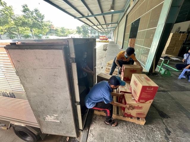 TNI King Coffee tiếp tục hỗ trợ các y bác sĩ tuyến đầu chống dịch tại TP.HCM và Bình Dương - Ảnh 4.