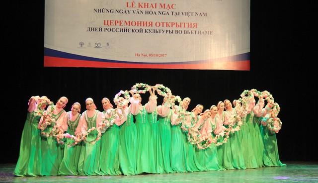 Góp ý Dự thảo Chiến lược Phát triển văn hóa đến năm 2030: Văn hóa sẽ phải trở thành thương hiệu quốc gia Việt Nam - Ảnh 2.