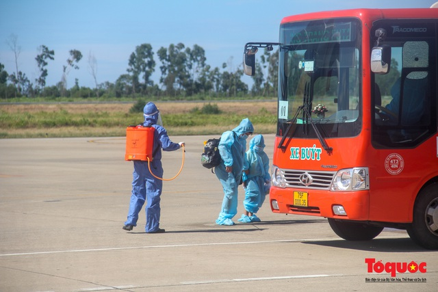 Thừa Thiên Huế đón 240 công dân từ TPHCM về quê tránh dịch - Ảnh 12.