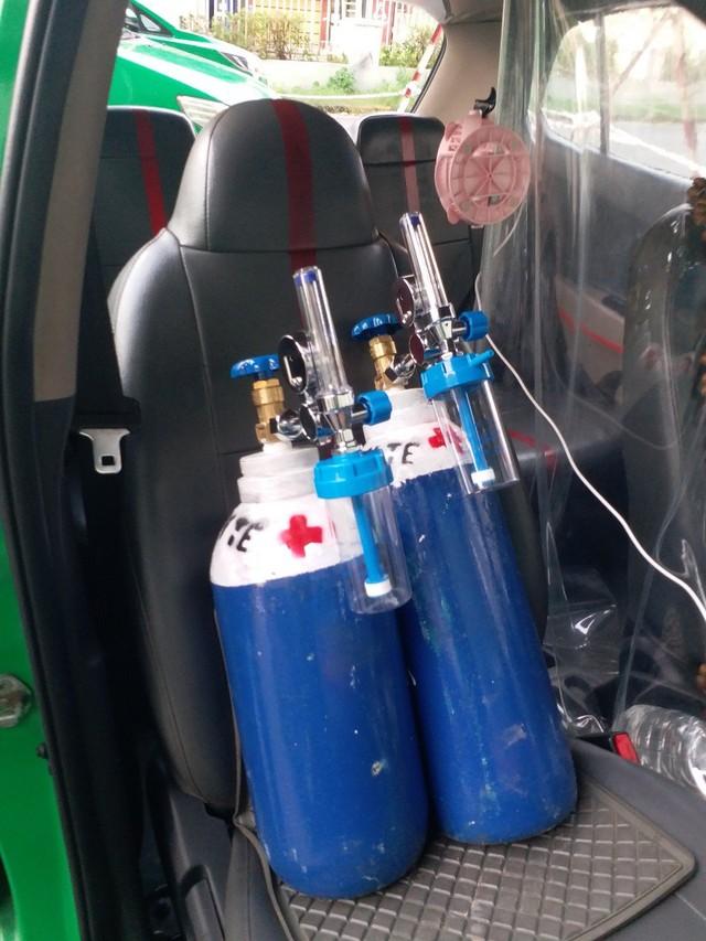 200 xe taxi phản ứng nhanh hỗ trợ y tế TP.HCM; Đà Nẵng thêm 9 ca cộng đồng - Ảnh 2.