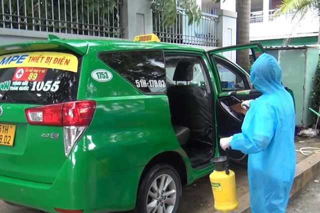 200 xe taxi phản ứng nhanh hỗ trợ y tế TP.HCM; Đà Nẵng thêm 9 ca cộng đồng - Ảnh 1.