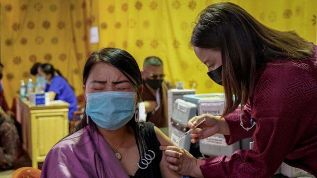 Kỳ tích tiêm chủng của Bhutan mang đến hy vọng cho thế giới - Ảnh 1.