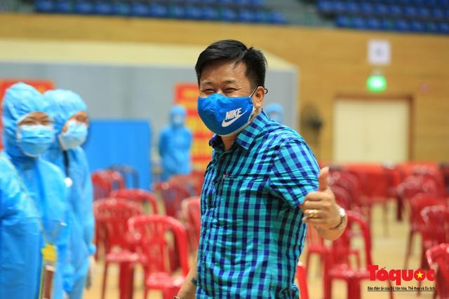 Đà Nẵng bắt đầu tiêm vaccine diện rộng - Ảnh 15.