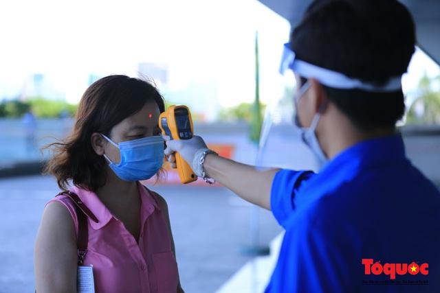 Đà Nẵng bắt đầu tiêm vaccine diện rộng - Ảnh 4.