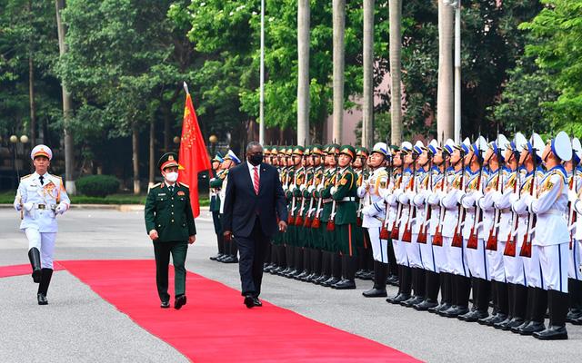 Bộ trưởng Quốc phòng Hoa Kỳ thăm chính thức Việt Nam - Ảnh 1.