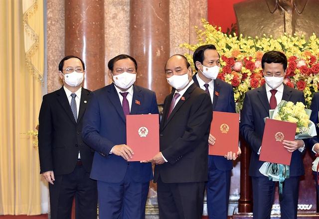 Ông Nguyễn Văn Hùng tiếp tục được phê chuẩn bổ nhiệm làm Bộ trưởng Bộ VHTTDL - Ảnh 1.