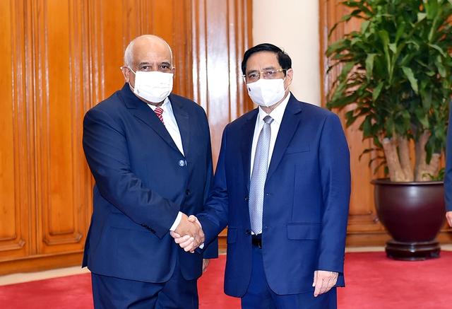 Thủ tướng Phạm Minh Chính tiếp Đại sứ Cuba, thúc đẩy hợp tác vaccine - Ảnh 1.