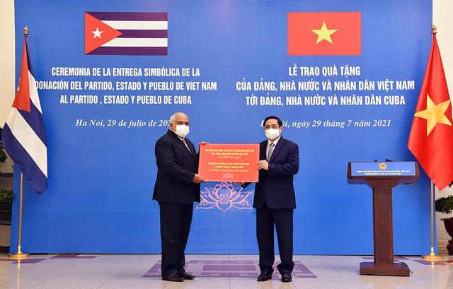 Thủ tướng Phạm Minh Chính tiếp Đại sứ Cuba, thúc đẩy hợp tác vaccine - Ảnh 2.