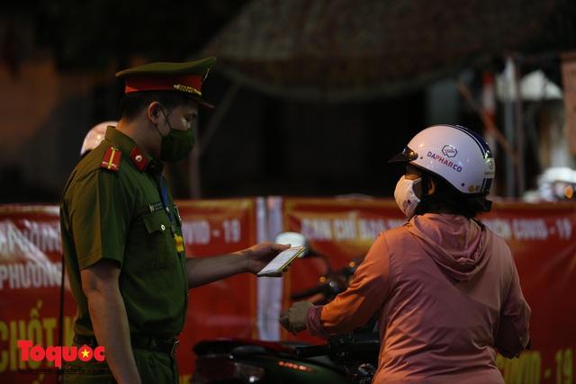 Hình ảnh Đà Nẵng bắt đầu thực hiện cách ly toàn xã hội từ 18 giờ tối nay - Ảnh 12.