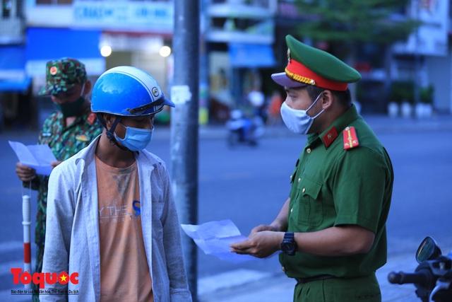 Hình ảnh Đà Nẵng bắt đầu thực hiện cách ly toàn xã hội từ 18 giờ tối nay - Ảnh 6.