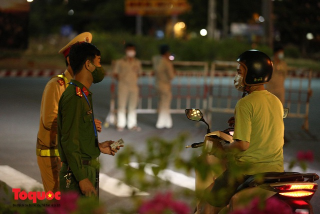 Hình ảnh Đà Nẵng bắt đầu thực hiện cách ly toàn xã hội từ 18 giờ tối nay - Ảnh 10.