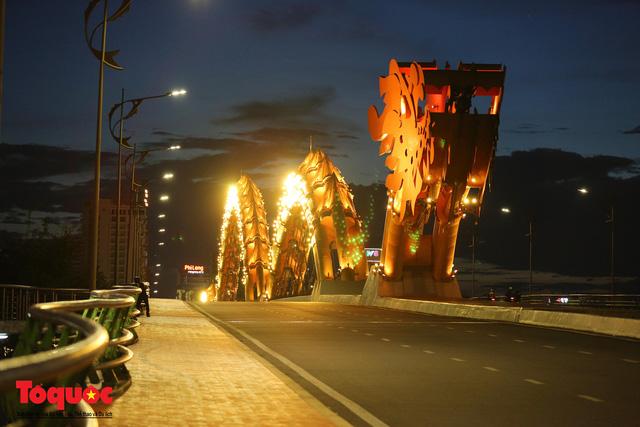 Hình ảnh Đà Nẵng bắt đầu thực hiện cách ly toàn xã hội từ 18 giờ tối nay - Ảnh 16.