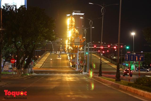 Hình ảnh Đà Nẵng bắt đầu thực hiện cách ly toàn xã hội từ 18 giờ tối nay - Ảnh 17.