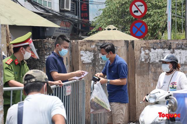 Hà Nội: Cách ly y tế toàn bộ phường Chương Dương 14 ngày - Ảnh 8.