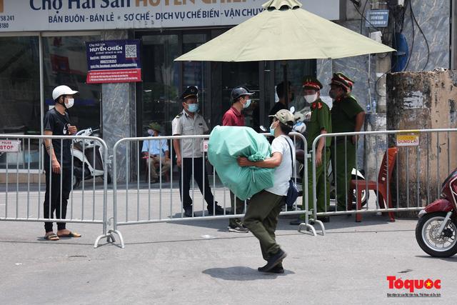 Hà Nội: Cách ly y tế toàn bộ phường Chương Dương 14 ngày - Ảnh 7.
