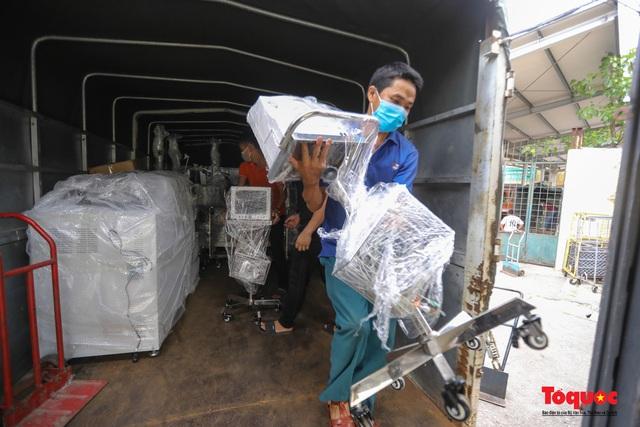 Hà Nội chi viện hàng chục tấn thiết bị y tế hiện đại cho TPHCM chống dịch Covid 19 - Ảnh 5.
