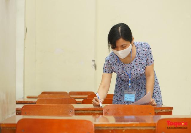 Thí sinh cả nước chính thức bước vào ngày thi tốt nghiệp THPT - Ảnh 9.