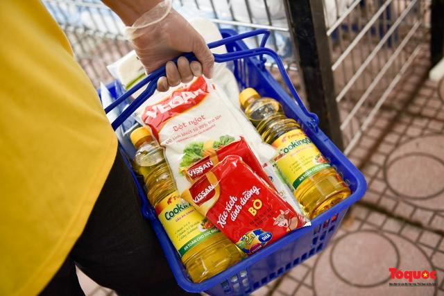 """Hà Nội: Triển khai """"siêu thị 0 đồng"""" hỗ trợ những người khó khăn trong dịch Covid 19 - Ảnh 10."""