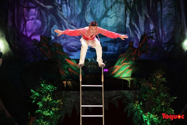 Chương trình nghệ thuật đặc biệt không khán giả được livestream giữa mùa dịch tại 5 điểm cầu Hà Nội - Ảnh 7.