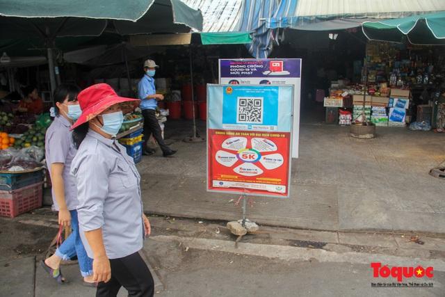Thừa Thiên Huế tổ chức lấy mẫu xét nghiệm sàng lọc COVID-19 vùng trọng điểm trên toàn tỉnh - Ảnh 2.
