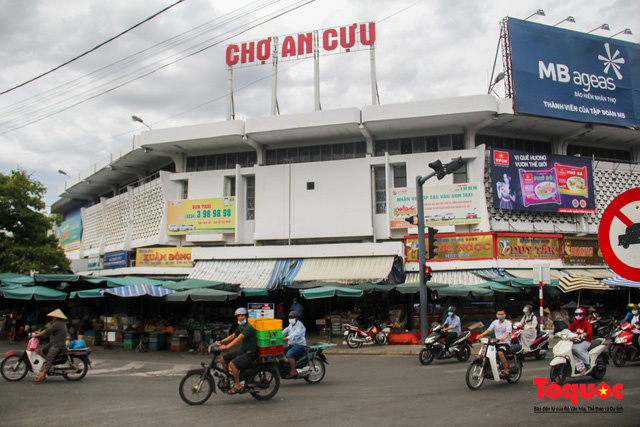Thừa Thiên Huế tổ chức lấy mẫu xét nghiệm sàng lọc COVID-19 vùng trọng điểm trên toàn tỉnh - Ảnh 3.