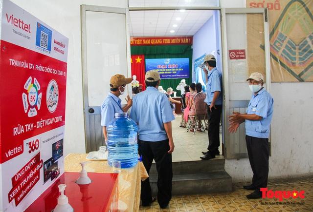 Thừa Thiên Huế tổ chức lấy mẫu xét nghiệm sàng lọc COVID-19 vùng trọng điểm trên toàn tỉnh - Ảnh 1.
