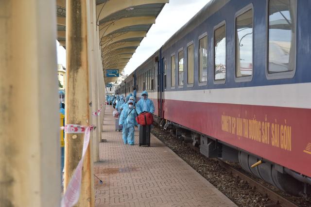 Tỉnh Thừa Thiên Huế đã đón hơn 370 công dân từ TPHCM về quê trong đợt 2 bằng tàu hỏa..