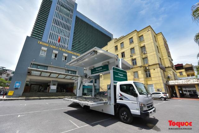 Cận cảnh xe chuyên dụng phục vụ tiêm chủng lưu động Made in Vietnam - Ảnh 1.