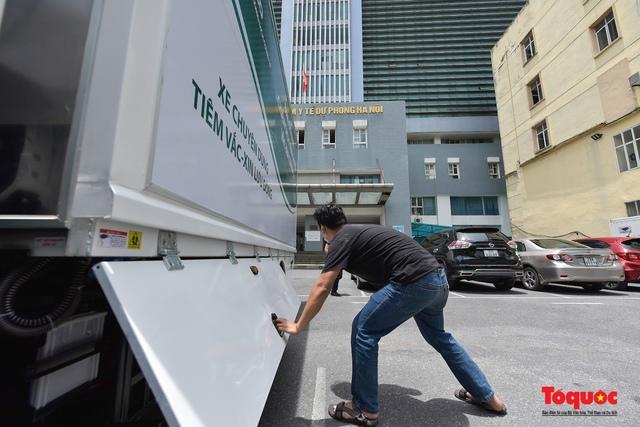 Cận cảnh xe chuyên dụng phục vụ tiêm chủng lưu động Made in Vietnam - Ảnh 3.