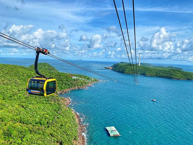 Thủ tướng Chính phủ đồng ý với đề xuất thí điểm đón khách du lịch quốc tế đến Phú Quốc - Ảnh 1.