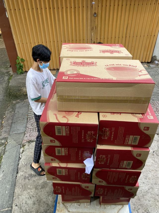 TNI King Coffee trao tặng gạo cho người dân vùng dịch và tiếp sức cho tuyến đầu chống dịch tại TP.HCM và Bình Dương - Ảnh 6.
